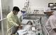 Bé gái 3 tuổi bị thủng ruột do nuốt bi nam châm