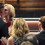 """Nụ hôn dậy sóng Emmy 2017 của Nicole Kidman và bạn diễn """"gây bão"""" MXH"""