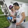 Tạm gác căng thẳng trong Sống chung với mẹ chồng, Bảo Thanh rủ Tự Long đi trồng rau sạch