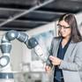 Ra mắt robot 0,5kg hợp tác làm việc với con người tại nhà máy năm 2018