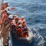 Cứu nạn 3 thuyền viên bị ngạt khí gas trên biển