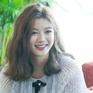 """Tay băng bó, Kim Yoo Jung vẫn khiến fan """"đứng hình"""" vì quá dễ thương"""