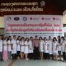 Bác sĩ Việt Nam khám sàng lọc ung thư miễn phí tại Lào
