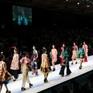 """""""Mộng mị"""" với NTK Thủy Nguyễn trên sàn catwalk Tuần lễ thời trang quốc tế Việt Nam Xuân - Hè 2017"""