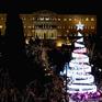 Thắp sáng cây thông Noel trong mùa Giáng sinh trên khắp thế giới
