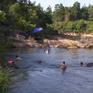 Ẩn họa từ kinh doanh du lịch tự phát ven sông suối