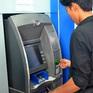 Nhiều ngân hàng kiến nghị tăng phí giao dịch qua ATM