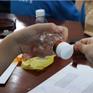 TP.HCM: Học sinh lớp 6 lắp ráp tai nghe từ chai nhựa