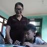 Bà giáo 64 tuổi nuôi trẻ khuyết tật