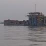 Bắt giữ nhiều phương tiện khai thác cát trái phép ở Hà Nội