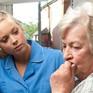 Cách giúp đỡ người mắc chứng mất trí nhớ