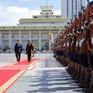Đại sứ Đoàn Thị Hương trình Quốc thư lên Tổng thống Mông Cổ