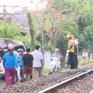 Phú Yên: Tàu hỏa đâm trực diện khiến ô tô bốc cháy