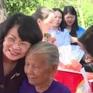 Phó Chủ tịch nước thăm, tặng quà gia đình chính sách