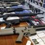 Canada siết chặt kiểm soát súng đạn