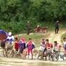 Thanh Hóa: Học sinh phải vượt sông đi học