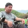 Người thầy tật nguyền 14 năm dạy học miễn phí cho trẻ nhỏ
