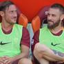 """""""Hoàng tử"""" Totti chia tay Roma trên băng ghế dự bị"""
