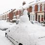 Giao thông tại Anh tê liệt vì tuyết rơi dày