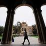 Kinh tế Mỹ hao hụt vì lượng du học sinh quốc tế giảm