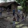 Myanmar bắt giữ 31 nghi phạm khủng bố