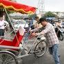 Xe ôm, xích lô ở Hà Nội phải đeo thẻ, đăng ký giấy phép đăng ký kinh doanh?