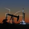 Giá dầu châu Á tăng mạnh do căng thẳng địa chính trị tại Trung Đông