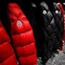Anh: Một trường trung học cấm học sinh mặc áo khoác đắt tiền