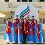 Dàn tình nguyện viên LHTHTQ 38 nổi bật trong trang phục áo dài