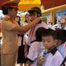 Xử phạt việc không đội mũ bảo hiểm cho trẻ em