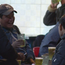 Tình trạng ép uống rượu bia ở Việt Nam đã thành tệ nạn
