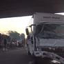 TP.HCM: Đập kính giải cứu hành khách trong xe khách gặp nạn