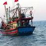Cứu 10 ngư dân gặp nạn ở gần Vịnh Bắc Bộ