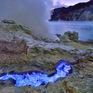 Núi lửa ở Indonesia phun khí độc, 30 người nhập viện