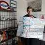 Cậu bé tự kỷ tái hiện hệ thống tàu điện ngầm trên bản vẽ