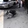 Bị CSGT lập biên bản, nam thanh niên đốt xe máy