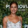 Siêu mẫu Irina Shayk tới Tây Ban Nha làm vedette trình diễn váy cưới