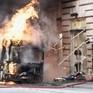 Italy: Xe bus chở khách bốc cháy và phát nổ tại trung tâm thủ đô