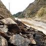 Đường xuyên đỉnh Ngọc Linh, Kon Tum sạt lở nghiêm trọng