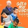 """HLV Park Han Seo """"gieo ước mơ"""" bóng đá cho trẻ em nghèo"""