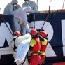 Hơn 200 người di cư chết đuối ở ngoài khơi Libya