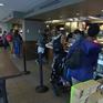 Starbucks mở cửa hàng phục vụ khách hàng khiếm thính