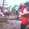 Độc đáo cuộc thi cõng vợ chạy đua tại Phần Lan
