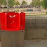 Bốt tiểu tiện công cộng gây tranh cãi ở Paris, Pháp