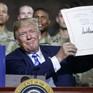 Tổng thống Mỹ ký dự luật chi tiêu quốc phòng 716 tỷ USD
