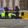 Lao xe vào tòa nhà Quốc hội Anh, 2 người bị thương