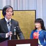 Giáo sư Trần Văn Thọ nhận huân chương của Chính phủ Nhật Bản