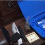 Bắt đối tượng tàng trữ ma túy đá và hung khí nguy hiểm tại Cà Mau
