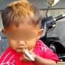Indonesia: Bé trai 2 tuổi nghiện thuốc lá, hút 40 điếu/ngày