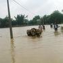 Vùng cao Nghệ An bị chia cắt do mưa lũ